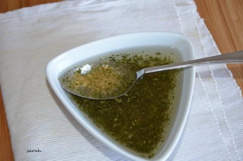 sauce vinaigrette extra aux herbes et à l'ail