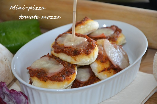 mini pizza toùmate mozza 1