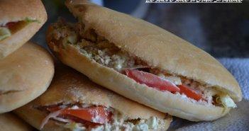 sandwich pan bagnat sandwich pain bagnat niçois au thon et crudité maison