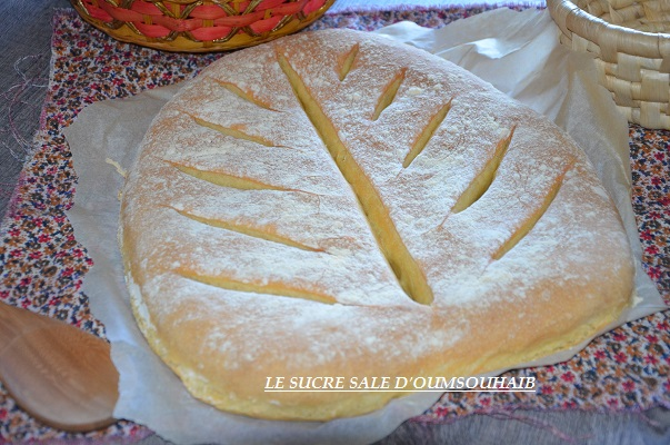 pain à la farine de mais en feuille