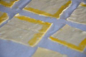 triangle feuilleté à la crème d'amande 4