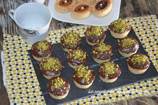 recette tartelette fondante à la confiture et chocolat sans oeuf et sans levure au halwa et amande