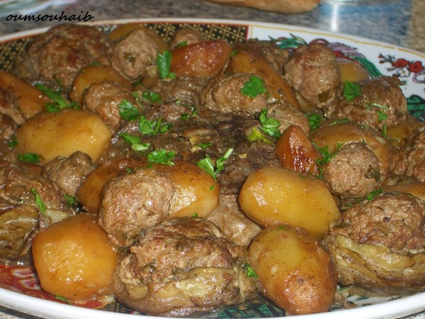 coeurs d'artichauts farcis en sauce