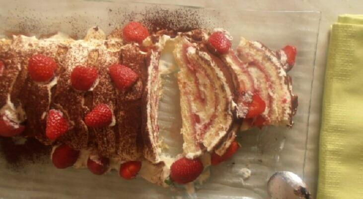 gâteau roulé aux fraises chantilly mascarpone