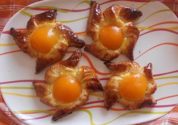viennoiseries moulins à vent aux abricots pâte à couque