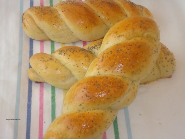 petits pains torsadés aux graines de pavot