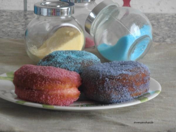 beignet aux framboises au sucre moelleux