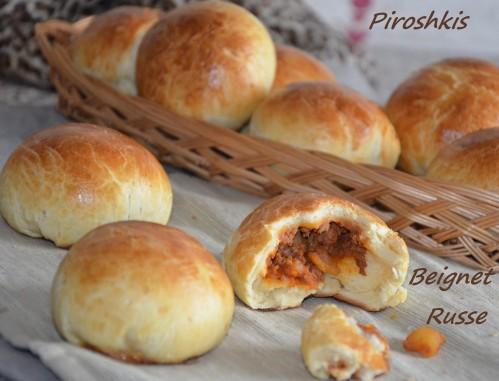 piroshkis petits pains russes farcis à la viande hachée