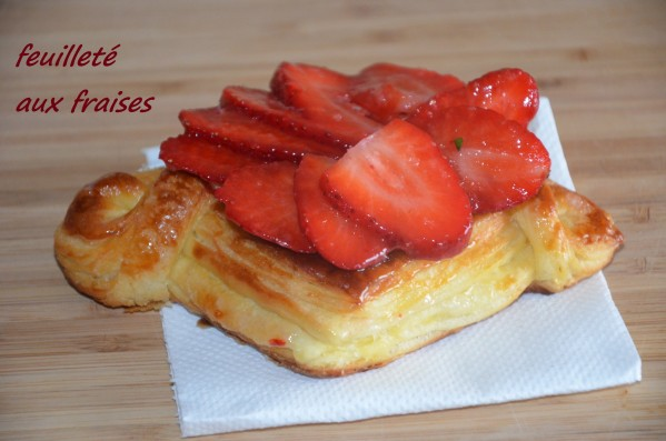feuilleté aux fraises à la crème pâtissière