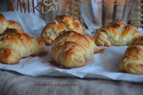 croissants-aux-amandes-3.jpg