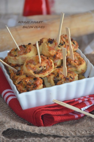 Mini-roulés poulet bacon et olives noires