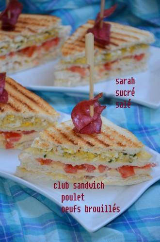 club sandwich poulet et oeufs brouillés