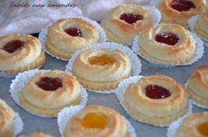 sablé aux amande à la confiture gâteaux algériens