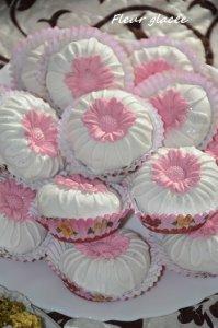 gâteaux algériens avec glaçage aux amandes