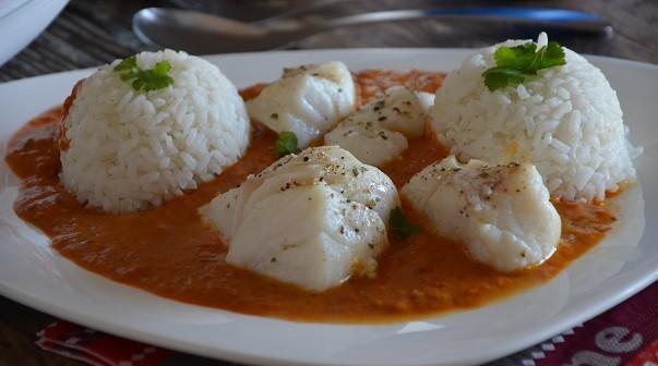 Dos De Cabillaud Au Curry Et Lait De Coco Le Sucre Sale D Oum Souhaib