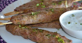 brochette iranienne kebab koobideh 1