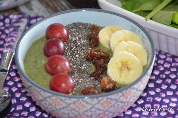 smoothie bowl vert avocat pomme épinard et banane 1