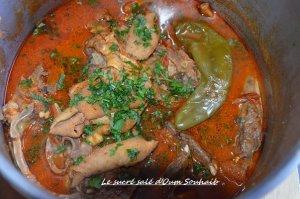 tête d'agneau en sauce tomate en cocotte