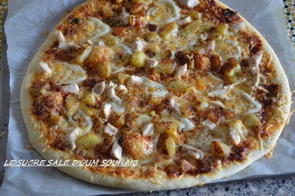 pizza poulet pomme de terre boisée sauce gruyère