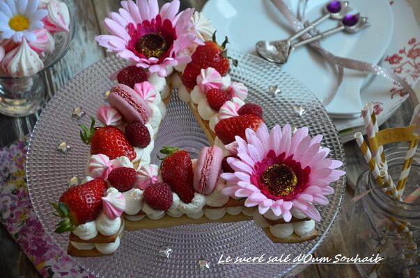 recette letter cake number cake- fraise- framboise- macarons