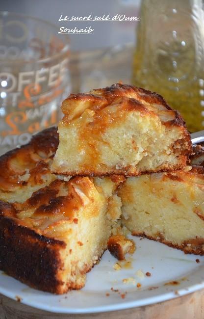 Gateau Au Yaourt Pommes Et Caramel Beurre Sale Le Sucre Sale D Oum