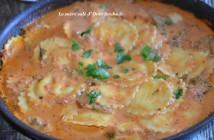 raviolis à la sauce tomate et crème fraiche