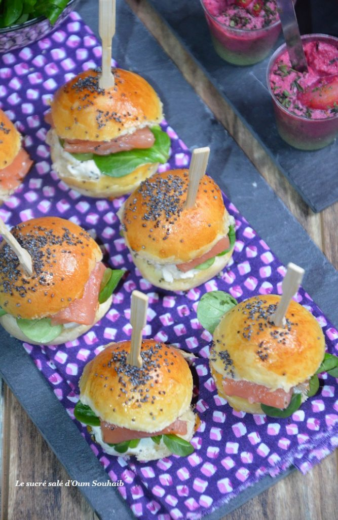 mini-burger-aperitif-au-saumon-fume