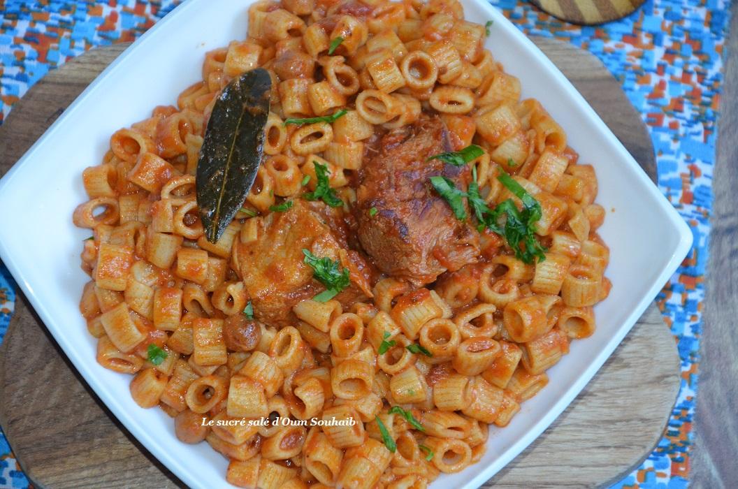 pate-tunisienne-a-la-sauce-piquante-makrouna