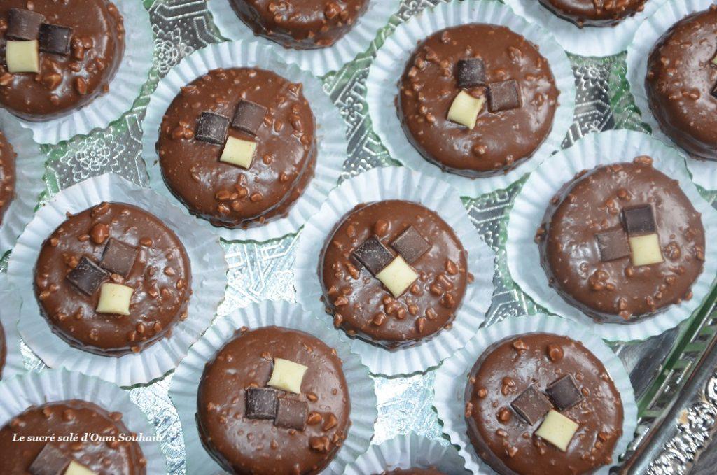 gateau-au-chocolat-au-glacage-rocher