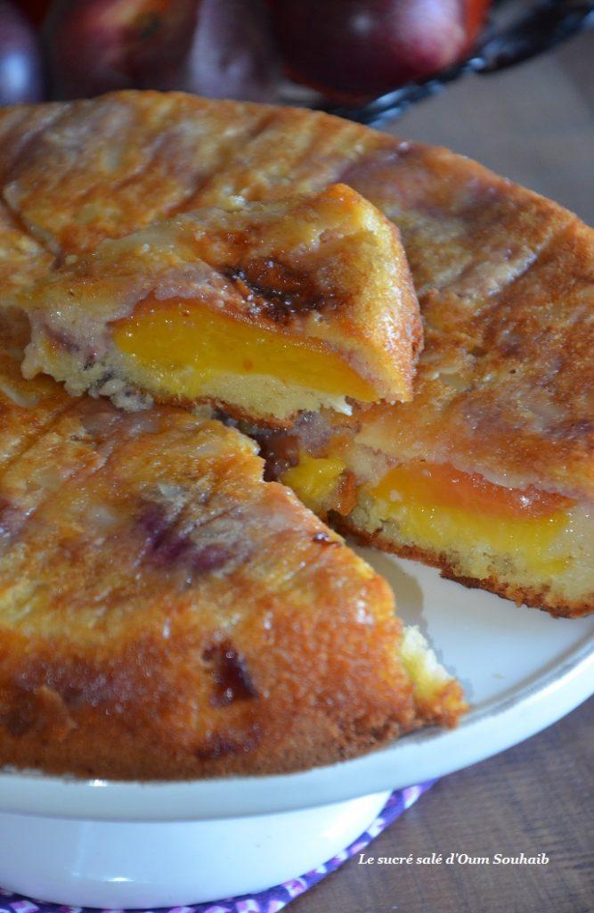 gateau-moelleux-aux-nectarines-et-amandes
