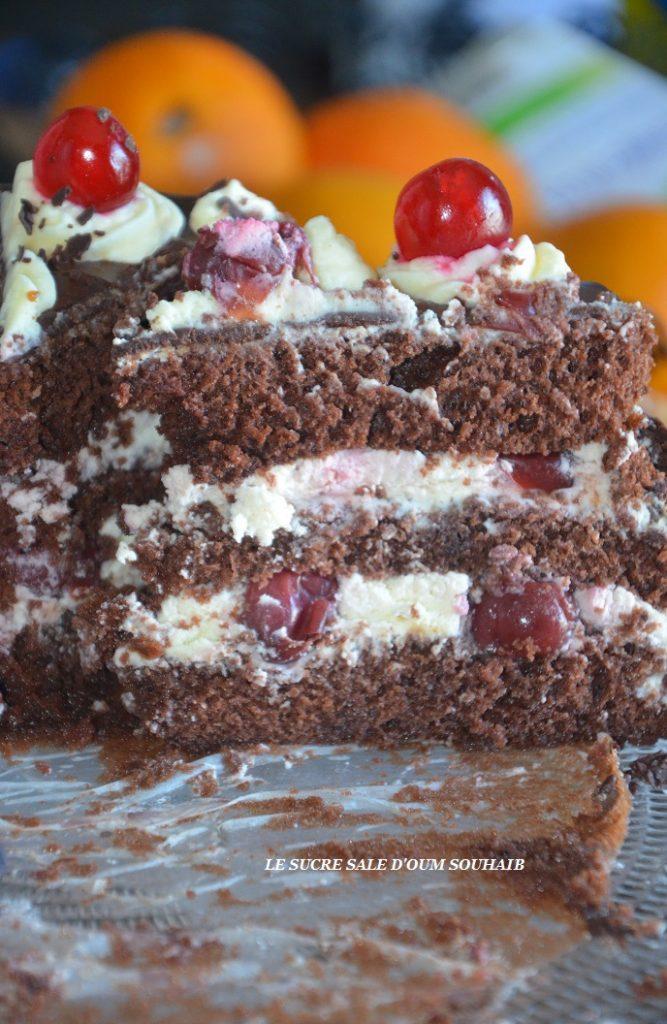 layer-cake-cerise-facon-foret-noire