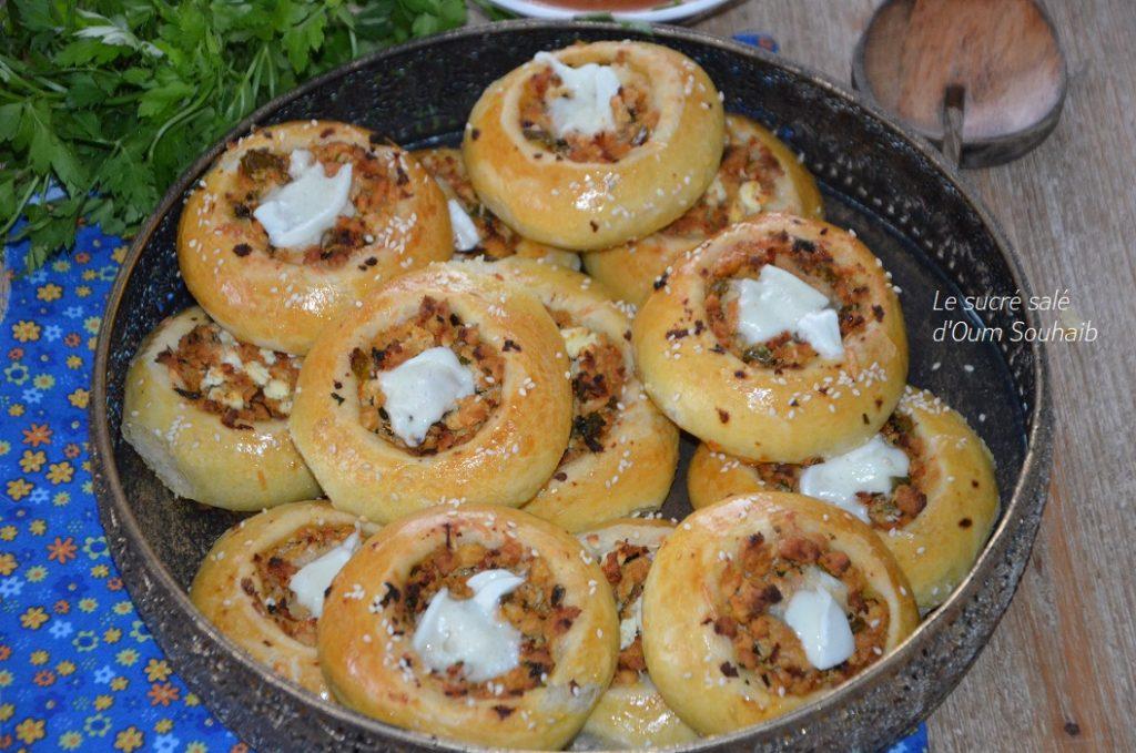 pogaca-petit-pain-turc-au-poulet-et-fromage